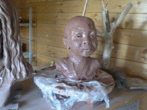 buste d'afrique dans Sculpture Argile modelage p1150642-300x225